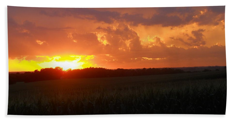 Sunset Hand Towel featuring the photograph Now I Lay Me Down To Sleep by Coleen Harty