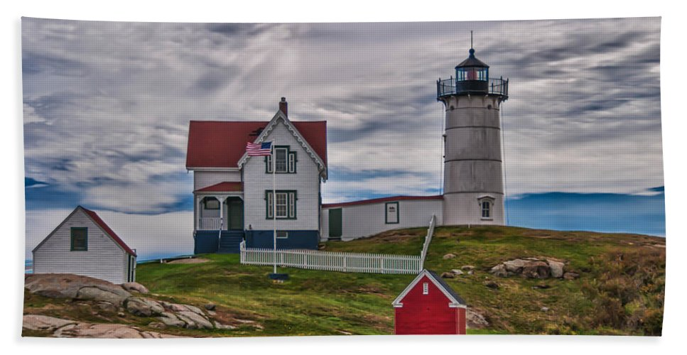 Atlantic Ocean Hand Towel featuring the photograph Nubble 19539 by Guy Whiteley