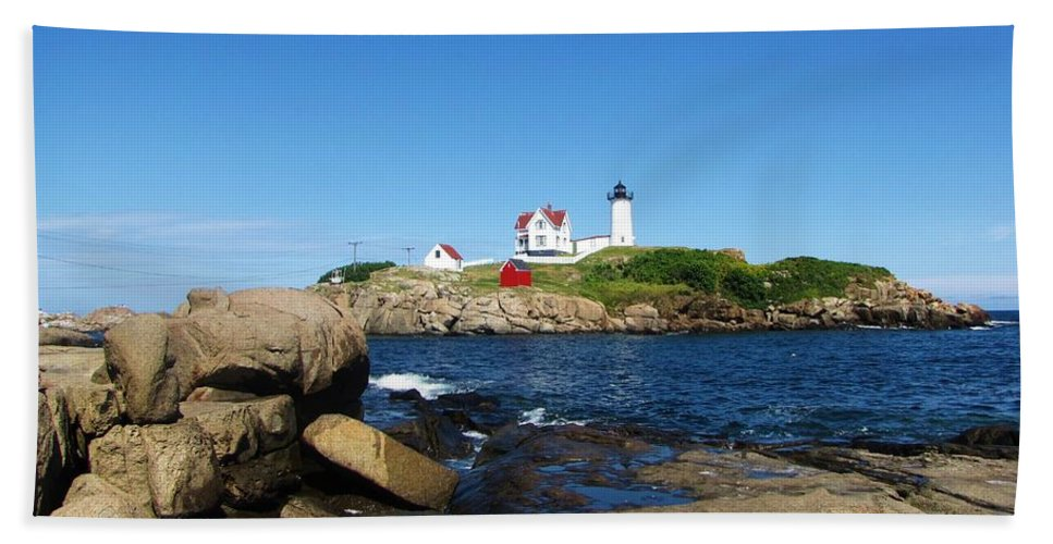 York Maine Hand Towel featuring the photograph Nubble Light House York Beach Maine 2 by Michael Saunders