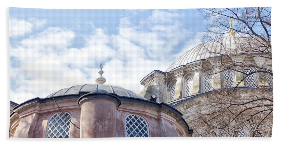 Nuruosmaniye Hand Towel featuring the Nuruosmaniye Mosque 02 by Antony McAulay