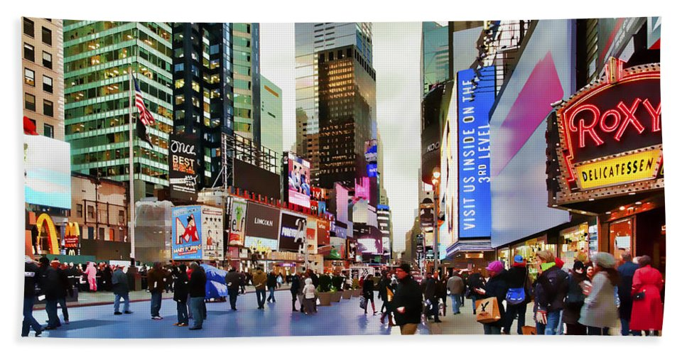 New York City Hand Towel featuring the photograph Ny Times Square Impressions I by Regina Geoghan