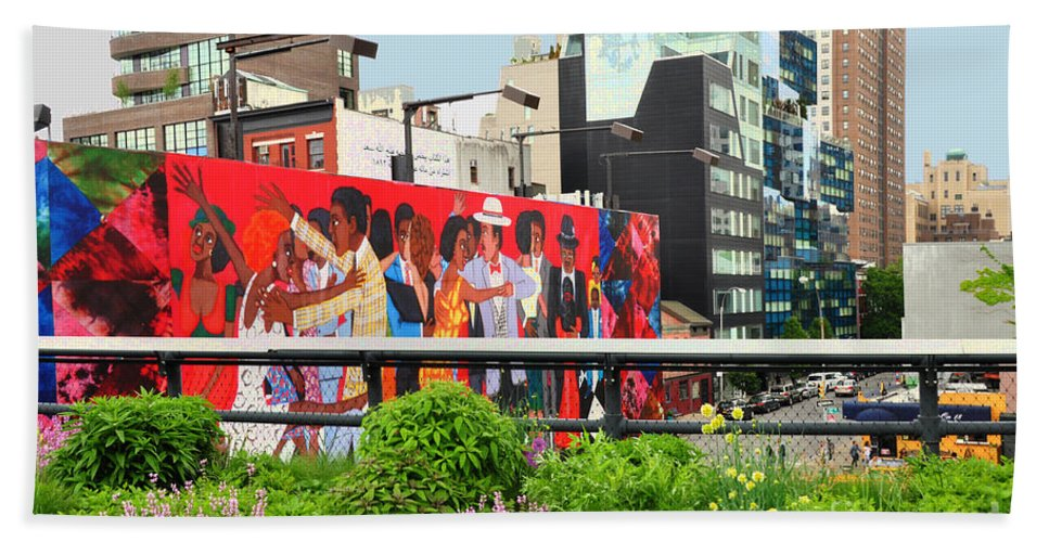 Nyc High Line Art Hand Towel featuring the photograph Nyc-high Line Billboard Art by Regina Geoghan