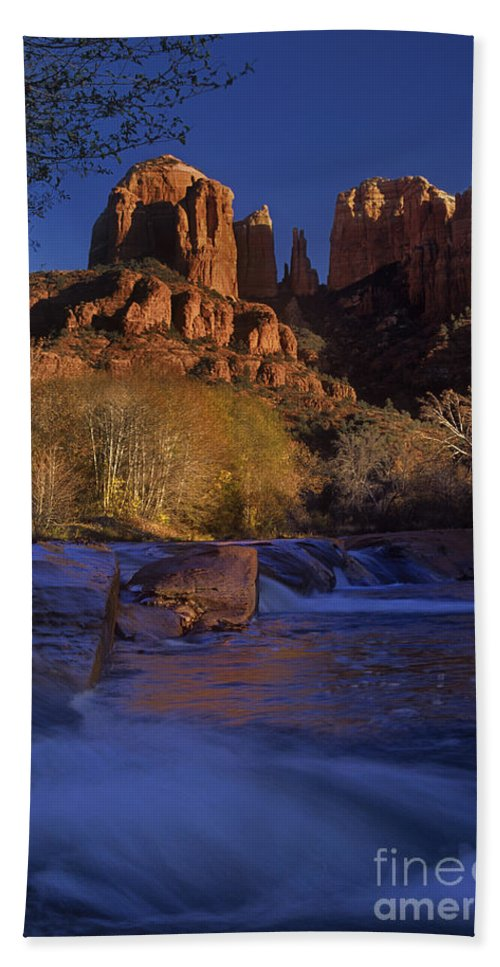 North America Bath Sheet featuring the photograph Oak Creek Crossing Sedona Arizona by Dave Welling