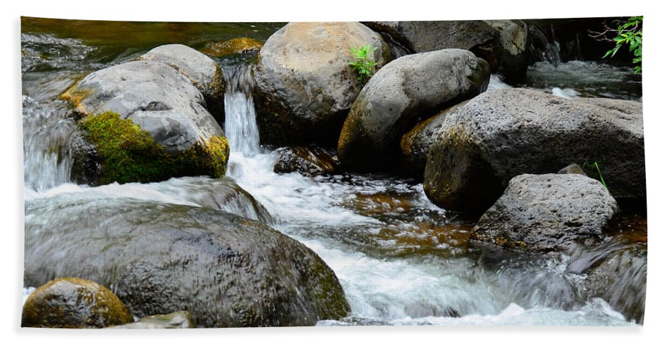 Oak Creek Hand Towel featuring the photograph Oak Creek Water And Rocks by Michael Moriarty
