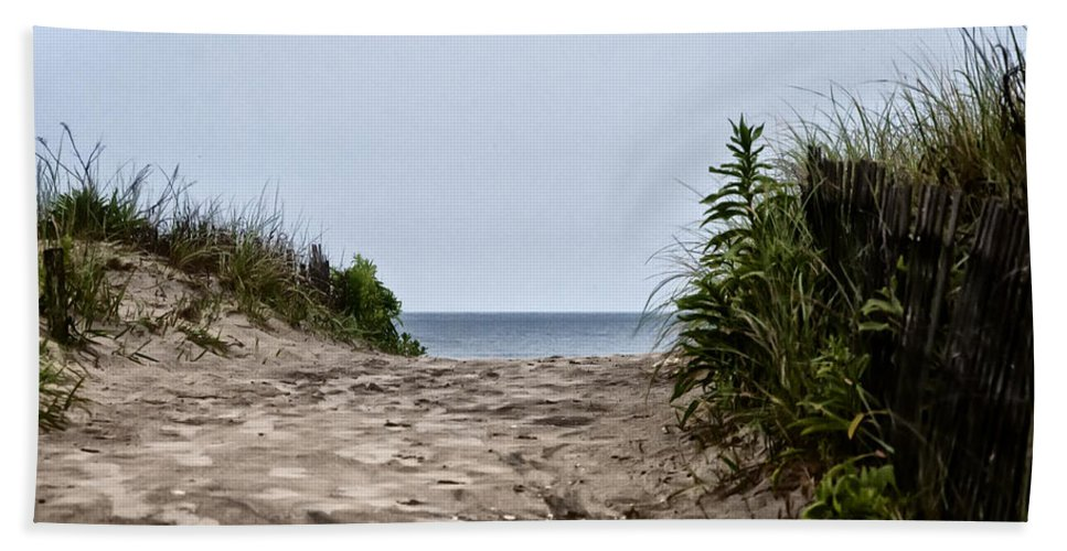 Ocean City Beach Hand Towel featuring the photograph Ocean City Beach by Bill Cannon