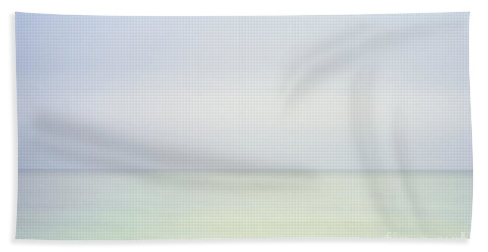 Change Bath Sheet featuring the photograph Ocean Horizon by John Greim