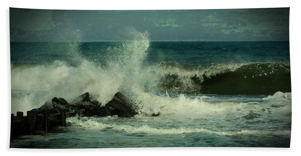 Jersey Shore Beaches Bath Towel featuring the photograph Ocean Impact - Jersey Shore by Angie Tirado
