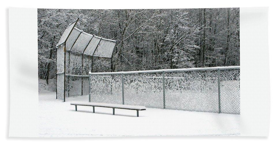 Winter Bath Towel featuring the photograph Off Season by Ann Horn