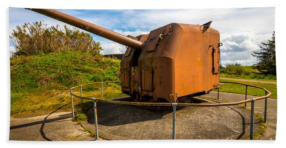 Artillery Bath Sheet featuring the photograph Old Artillery Gun - Ft. Stevens - Oregon by Gary Whitton