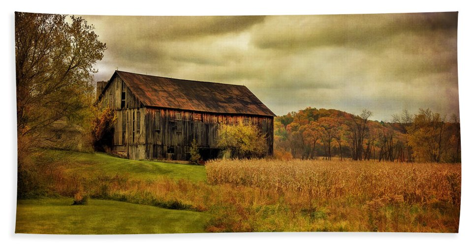 Barn Bath Sheet featuring the photograph Old Barn In October by Lois Bryan