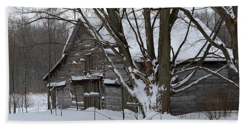 Michigan Bath Sheet featuring the photograph Old Barn In Winter by Linda Kerkau