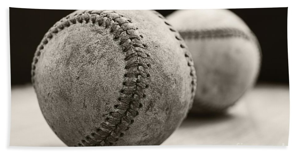 Ball; Sport; Baseball; Leather; Stitches; Red; White; Closeup; Used; Old; Vintage; Antique; Old Baseballs Bath Towel featuring the photograph Old Baseballs by Edward Fielding