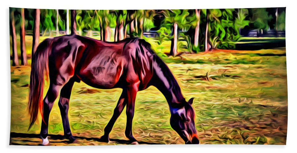 Horse Woods Pasture Bath Sheet featuring the photograph Old Bay Horse by Alice Gipson