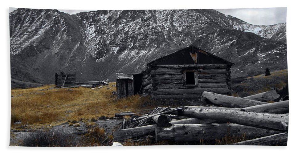 Mountain Hand Towel featuring the photograph Old Boston Mine by Brian Kerls