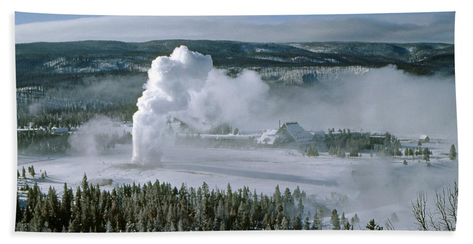 Old Faithful Bath Sheet featuring the photograph 3m09132-01-old Faithful Geyser In Winter by Ed Cooper Photography