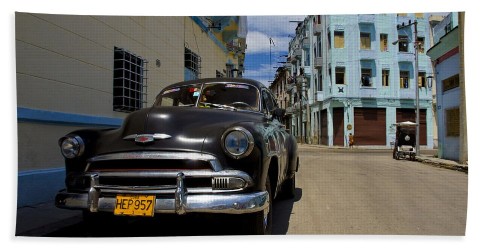 Car Hand Towel featuring the photograph Old Havana by Brian Kamprath