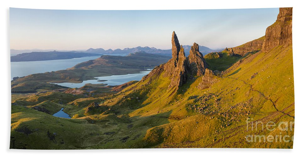 Beautiful Hand Towel featuring the photograph Old Man Of Storr - Pano by Brian Jannsen