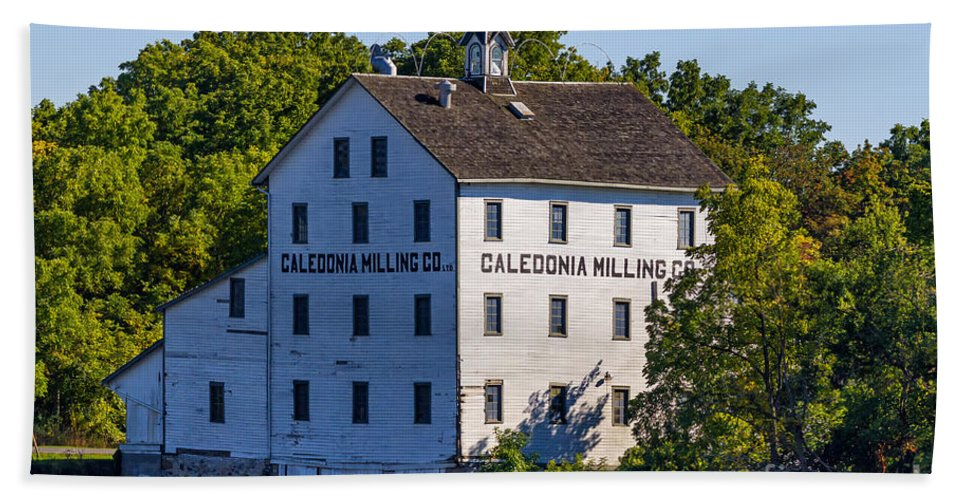 Old Bath Sheet featuring the photograph Old Mill In Caledonia Ontario by Les Palenik