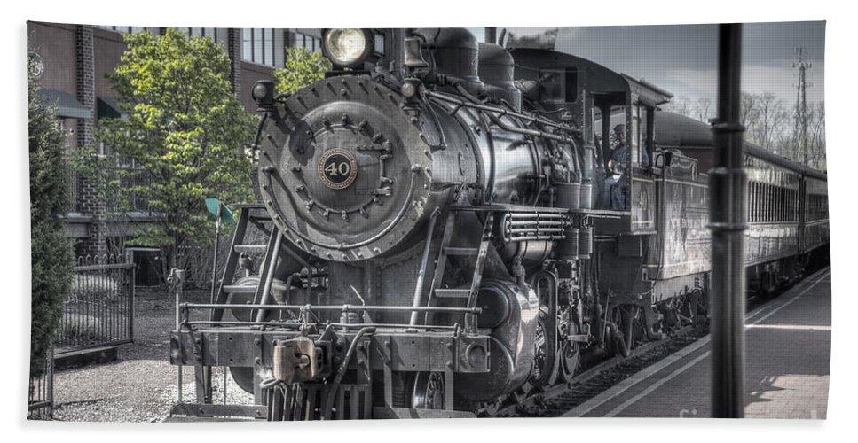 Train Bath Sheet featuring the photograph Old Number 40 by Anthony Sacco