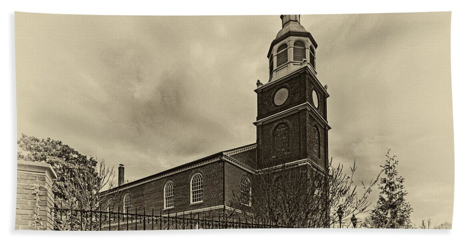 Old Otterbein United Methodist Church Bath Sheet featuring the photograph Old Otterbein Church Olde Tyme Photo by Bill Swartwout Fine Art Photography