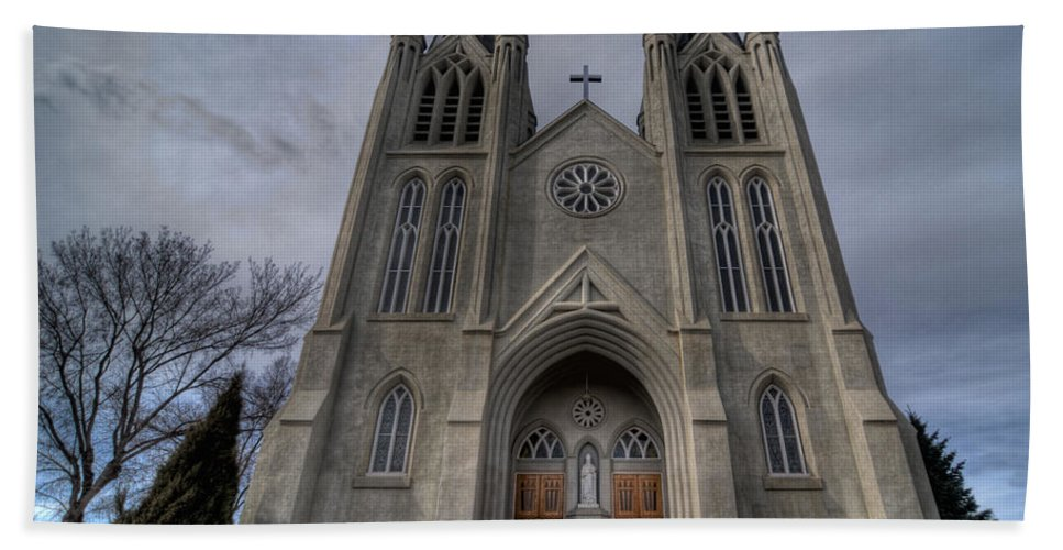 Medicine Hat Church Hand Towel featuring the photograph Old Perceptive by Frank Welder