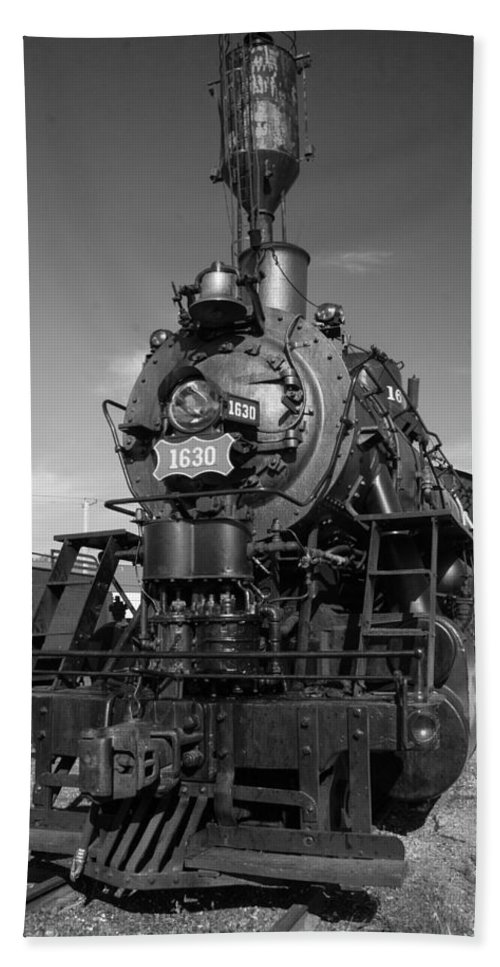 Trains Bath Sheet featuring the photograph Old Steam Engine Black And White by Robert Storost