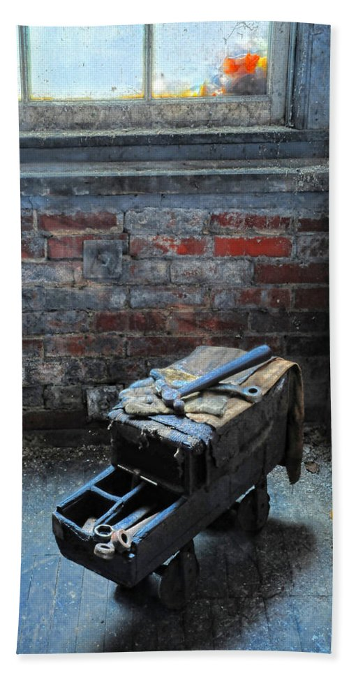 Old Tool Box Hand Towel featuring the photograph Old Tool Box Lonaconing Silk Mill by Dave Mills