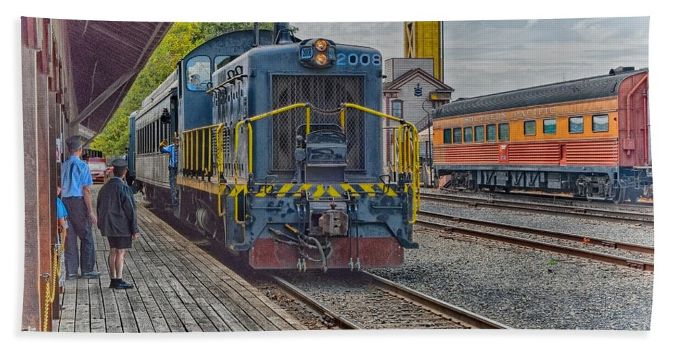 California Hand Towel featuring the photograph Old Town Sacramento Railroad by Jim Thompson