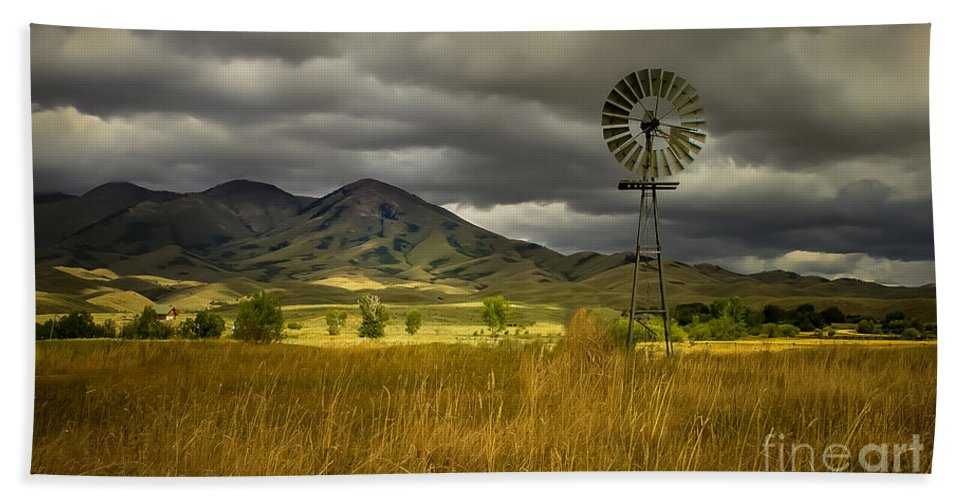Solider Mountains Hand Towel featuring the photograph Old Windmill by Robert Bales