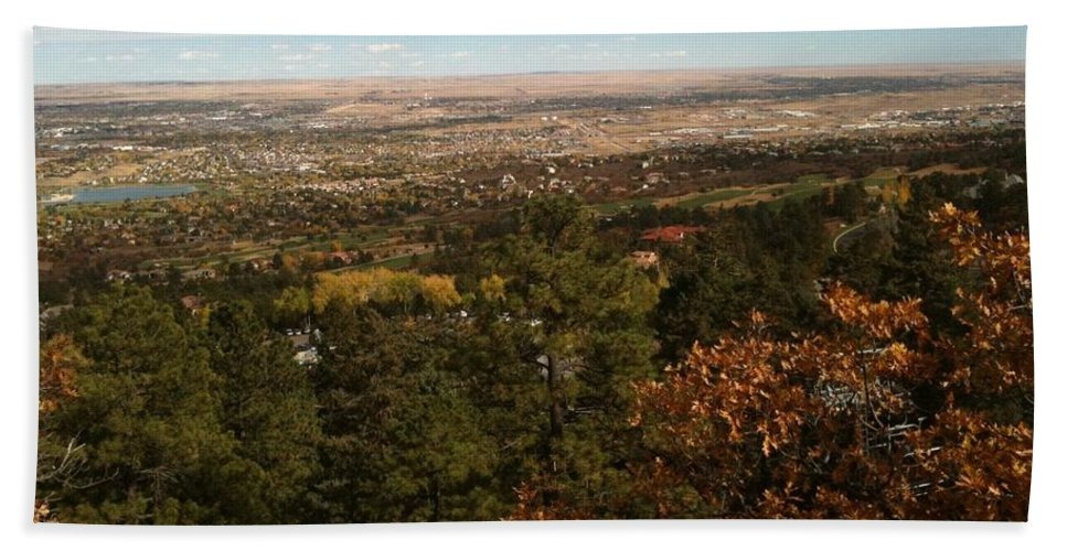 Pikes Peak Hand Towel featuring the photograph On The Path To The Summit by Gina Bonelli