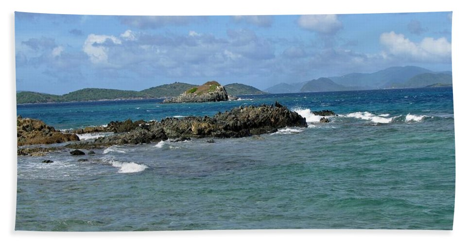 Sapphire Beach Bath Sheet featuring the photograph On The Rocks 01 by Pamela Critchlow