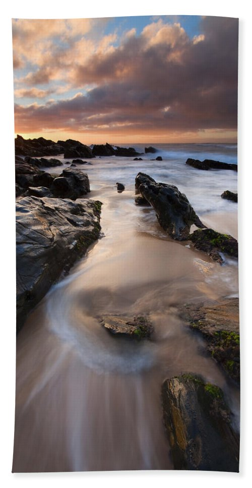 Basham Beach Hand Towel featuring the photograph On The Rocks by Mike Dawson