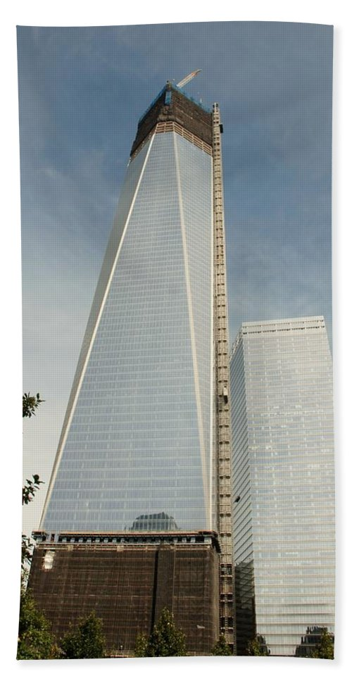Wtc Hand Towel featuring the photograph One W T C by Rob Hans