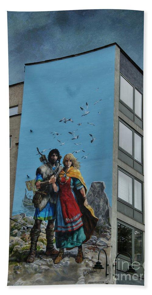 Art Bath Sheet featuring the photograph One Wall One Artist by Juli Scalzi