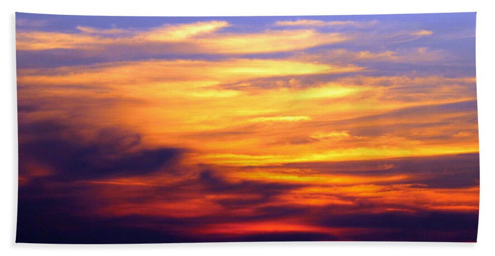 Carolina Beach Hand Towel featuring the photograph Orange Sunset Sky by Cynthia Guinn