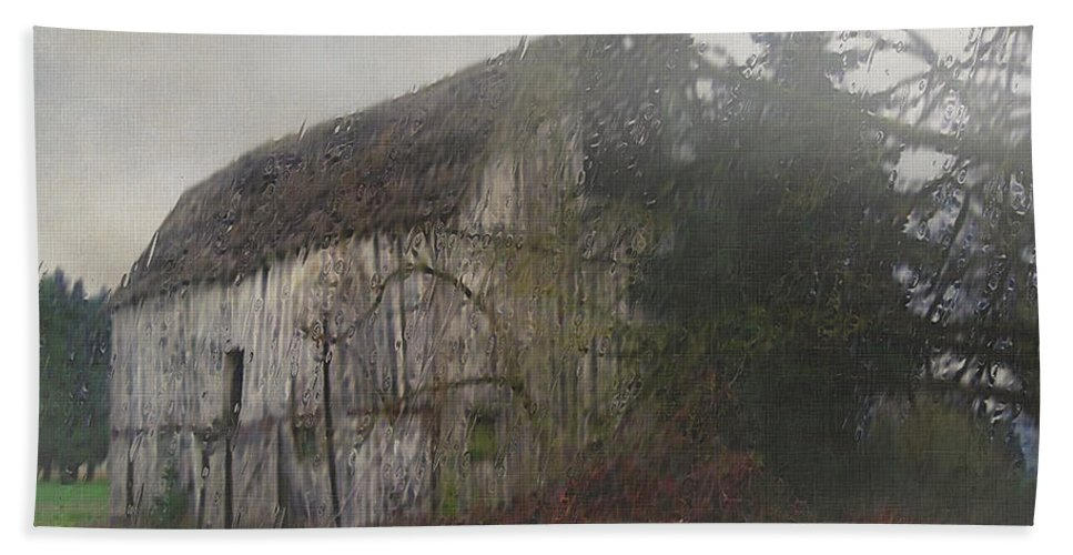Barn Bath Towel featuring the painting Oregon Relic by RC deWinter