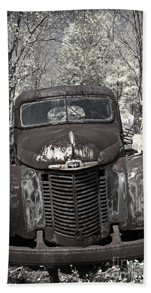 Rusty Hand Towel featuring the photograph Out To Pasture by John Stephens