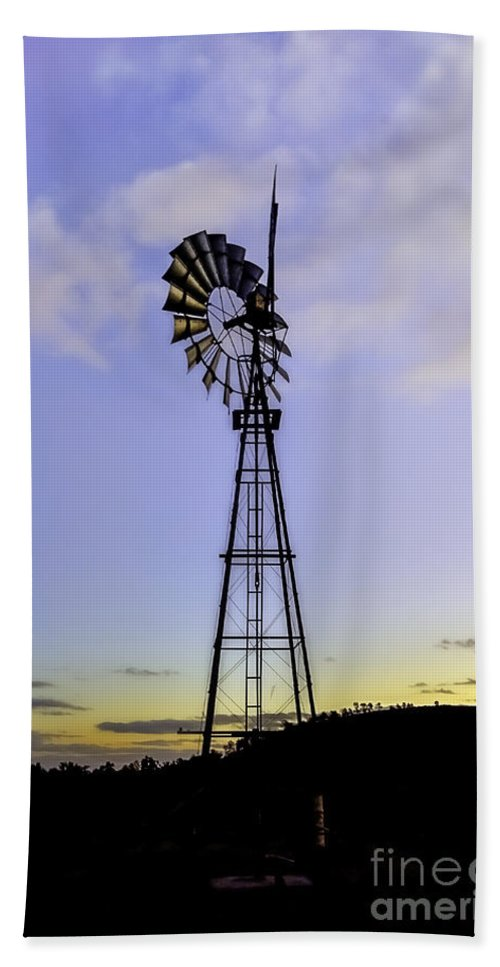 Windmill Hand Towel featuring the photograph Outback Windmill by Ray Warren