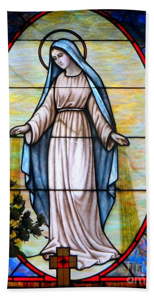 Stained Glass Bath Sheet featuring the photograph Oval Mary by Ed Weidman