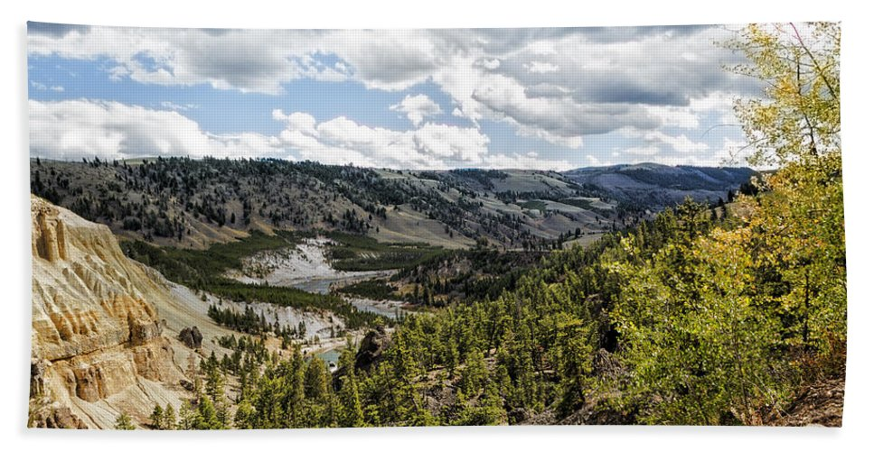 Yellowstone Bath Towel featuring the photograph Overlooking Yellowstone River On An Autumn Day by Belinda Greb