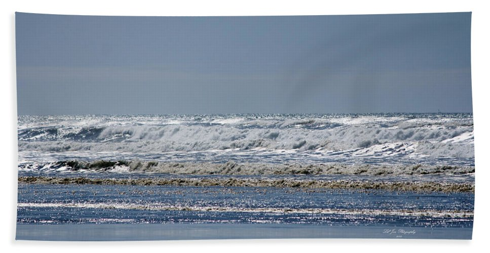 Ocean Hand Towel featuring the photograph Pacific Coast by Jeanette C Landstrom