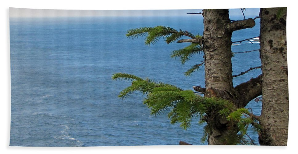 Cape Flattery Hand Towel featuring the photograph Pacific Ocean by Tikvah's Hope