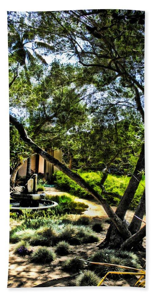 Fountain Bath Sheet featuring the photograph Pacifica Courtyard by Danuta Bennett