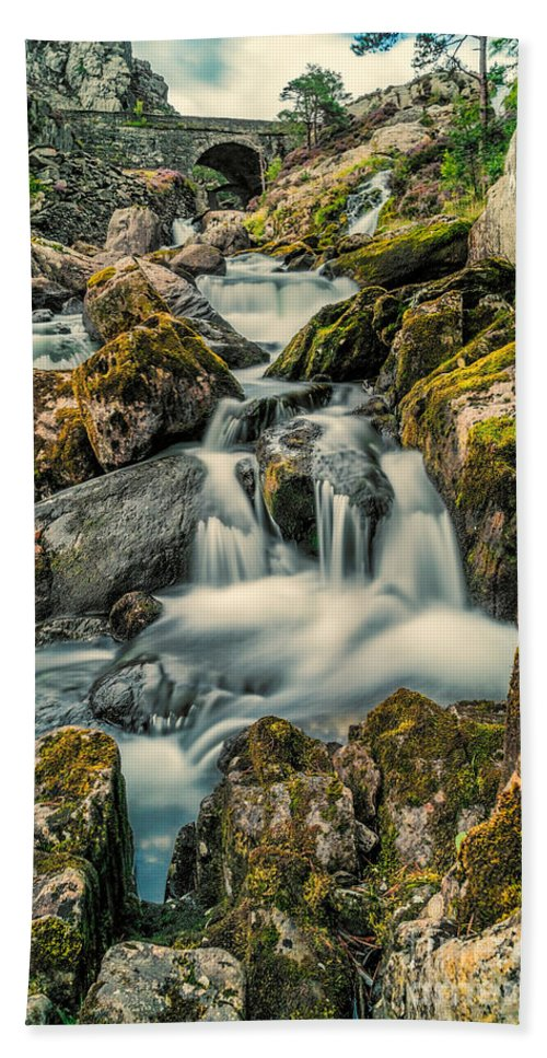 Waterfall Bath Sheet featuring the photograph Packhorse Waterfall by Adrian Evans