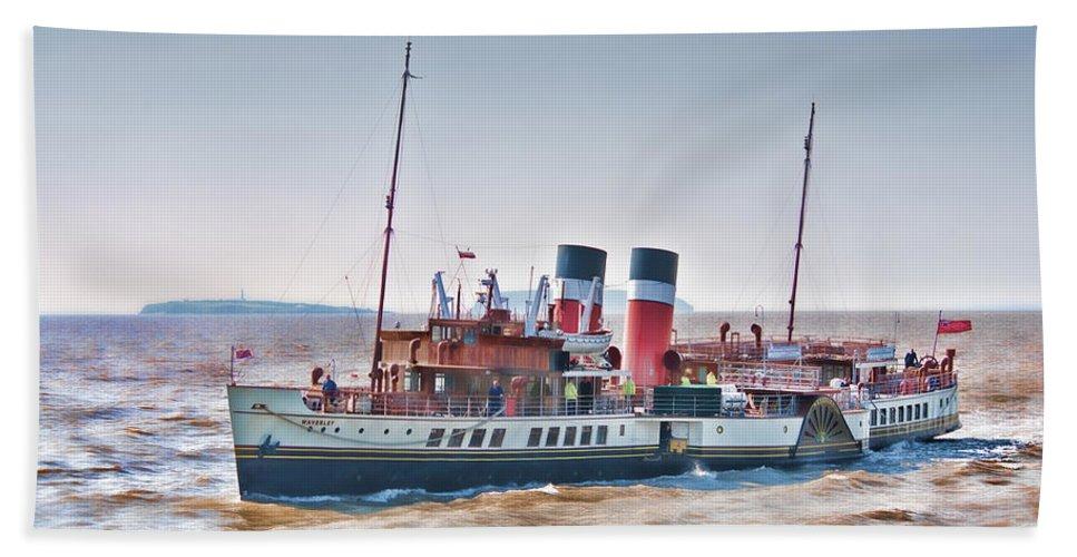 The Waverley Paddle Steamer Bath Sheet featuring the photograph Paddle Steamer Waverley by Steve Purnell
