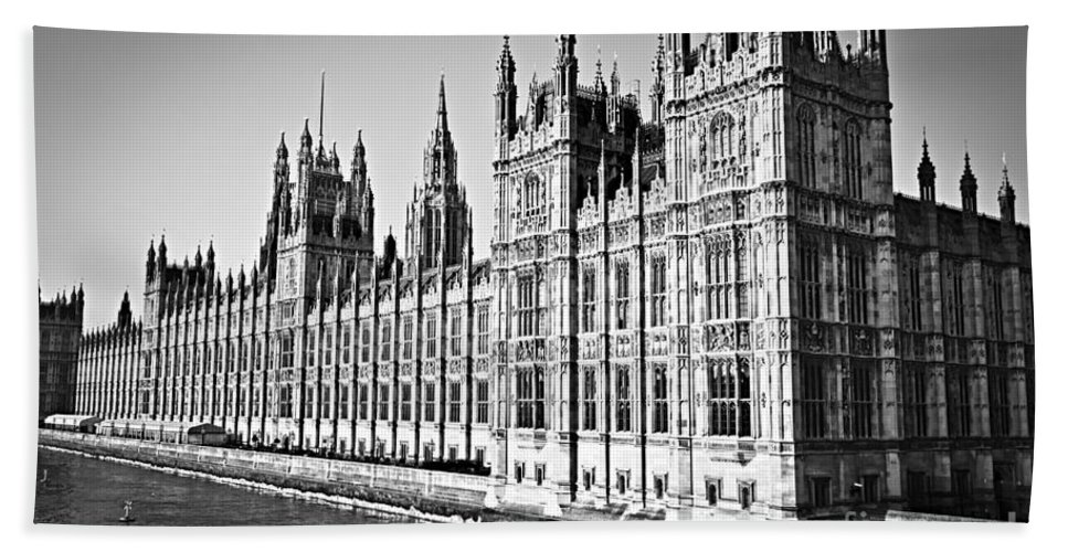 Palace Bath Sheet featuring the photograph Palace Of Westminster by Elena Elisseeva