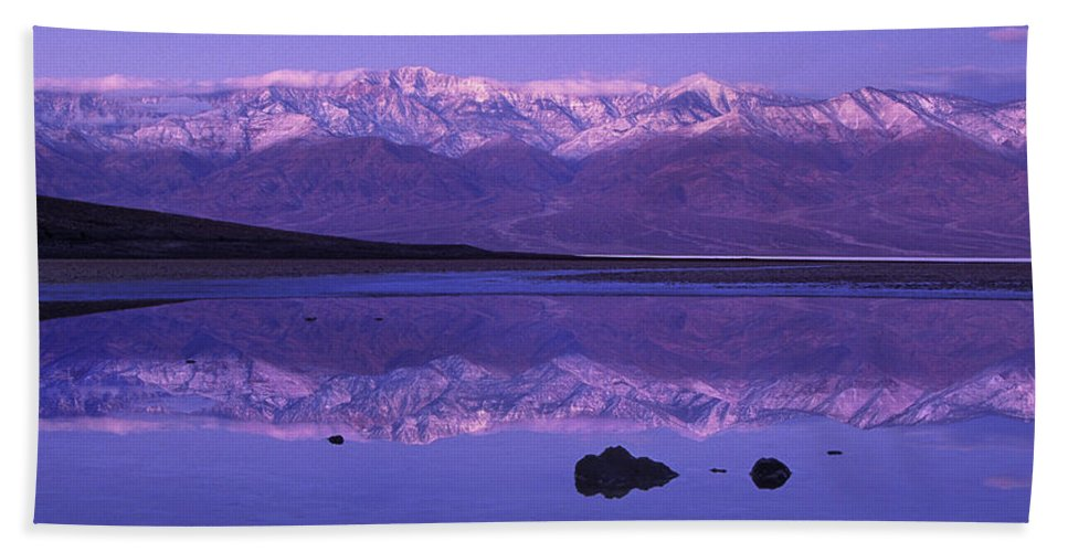 North America Hand Towel featuring the photograph Panorama Badwater And The Panamint Range At Sunrise Death Valley by Dave Welling