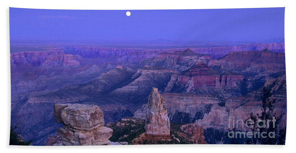 North America Hand Towel featuring the photograph Panorama Moonrise Over Point Imperial Grand Canyon National Park by Dave Welling