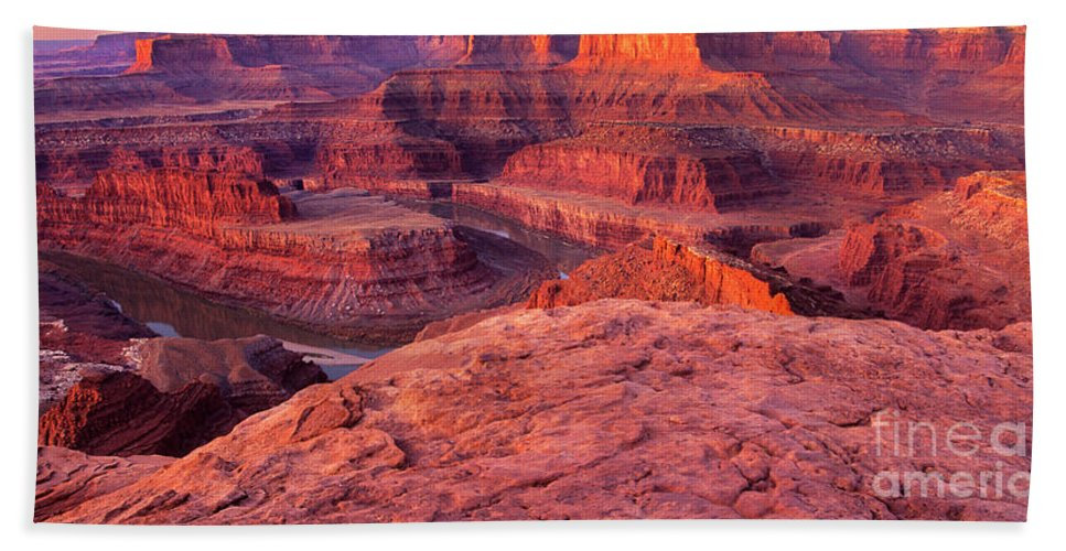 Dead Horse Point Hand Towel featuring the photograph Panorama Sunrise At Dead Horse Point Utah by Dave Welling