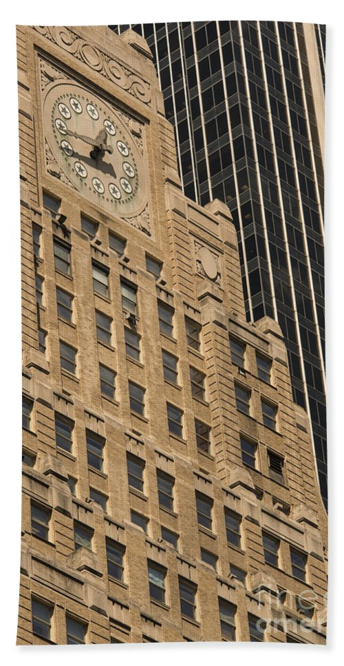 Paramount Building Buildings Architecture Cities Structure Structures Window Windows Clock Clocks New York City Bath Sheet featuring the photograph Paramount Building by Bob Phillips